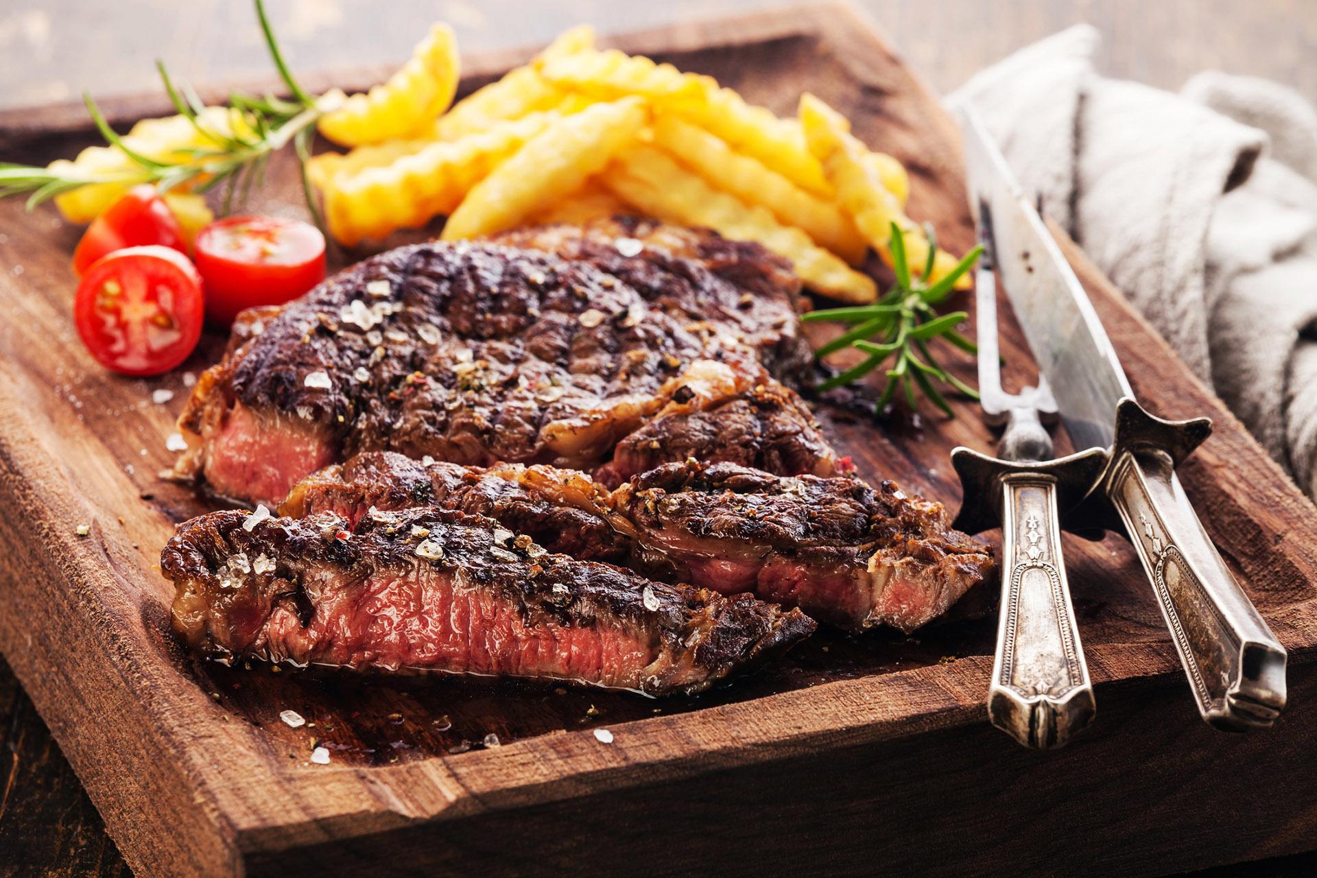 Cara memasak daging steak agar empuk