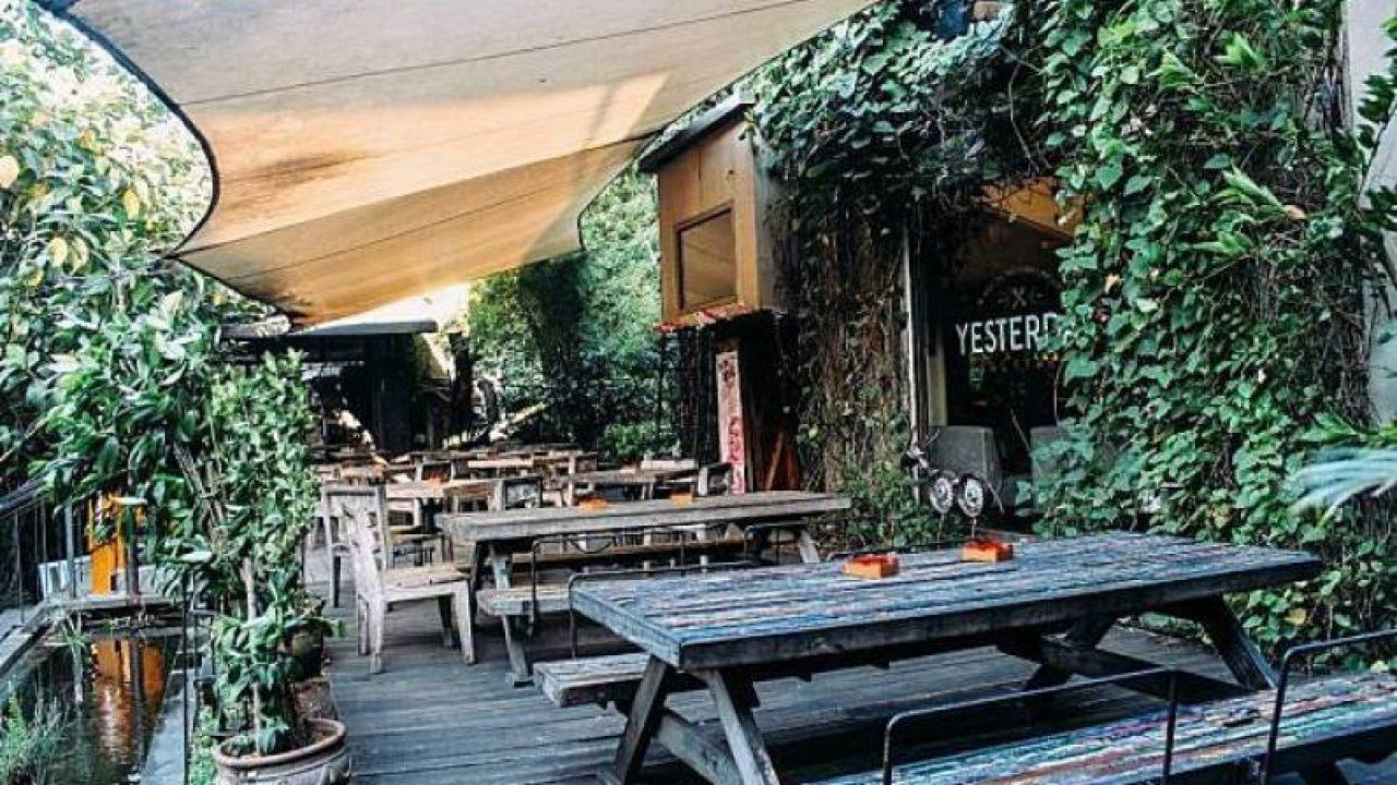 Yesterday Backyard Fatmawati - Tempat Makan Bernuansa Kebun yang Insta-Worthy - tempat.com